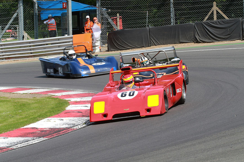 HSCC racers battle the heat at Brands Hatch